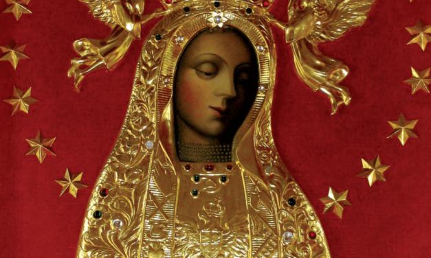 Maryja tuląca Orła Białego